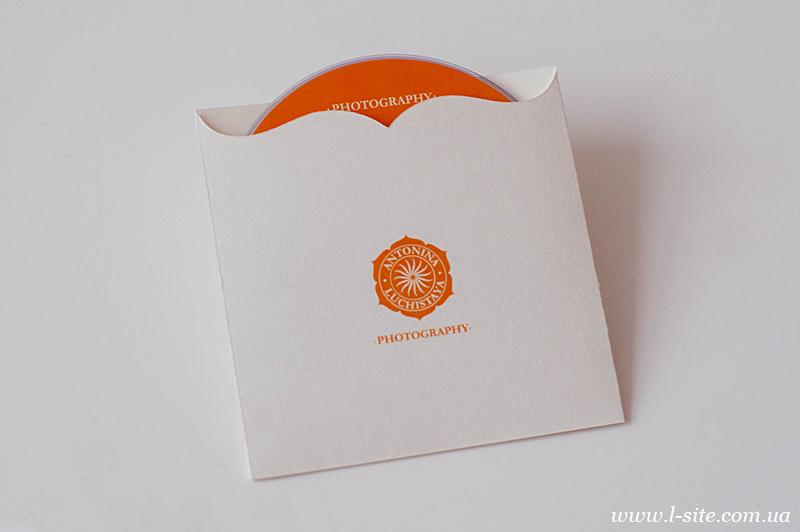 конверт с фигурным вырезом для диска